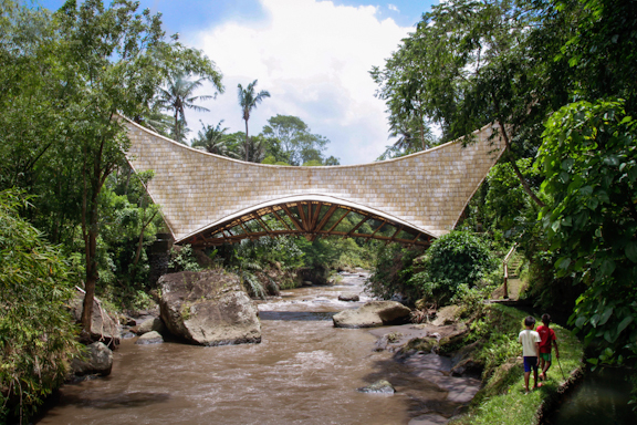 Green School's new bridge, inspired by a traditional Minang