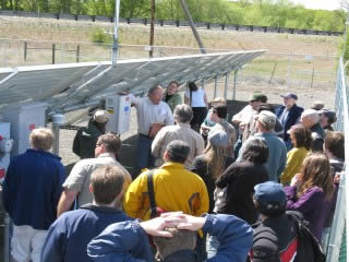 The city of Ellensburg owns its community solar utility… citizens gather to learn how the system works (photo: City of Ellensburg)